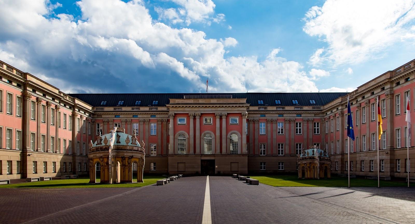 ブランデンブルク州議事堂の中庭、ドイツ・ポツダム