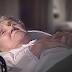 Antes de morir, esta anciana reveló su identidad. Cuando la enfermera encontró su nota, se quedó sin palabras