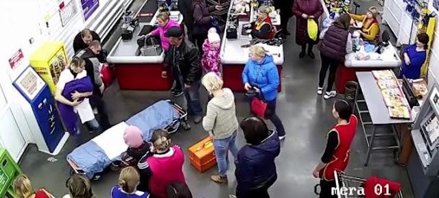 Πήγε έγκυος στο σούπερ μάρκετ και έφυγε... μητέρα!!! (βίντεο)