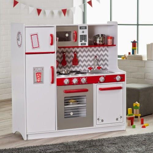 Kidkraft Toy Kitchen Granite Island 我們看到了 我們是生活 家 美國木製玩具 傢俱製造商kidkraft 所 所推出的廚房系列 縮小版的尺寸卻有著許多有趣的細節 圖片來自居家裝飾線上零售hayneedle