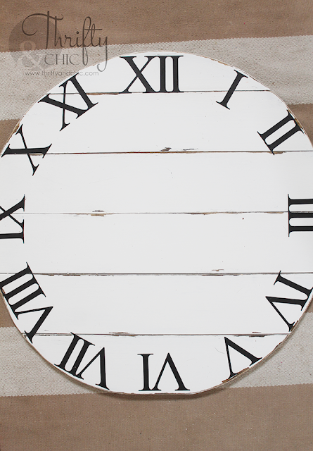 DIY shiplap wall clock tutorial. DIY wood clock tutorial. DIY farmhouse style clock. DIY farmhouse home decor and decorating ideas