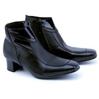 sepatu kerja wanita boots,gambar sepatu bots kerja,model sepatu kerja boots 2017,grosir sepatu kerja wanita murah,suplier sepatu kerja bandung,gambarsepatu boots korea kulit,sepatu wanita hak 5cm formal,sepatu polwan kulit asli