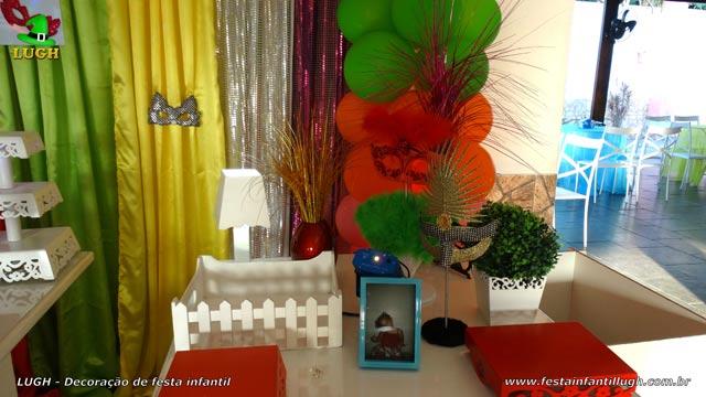 Mesa temática Carnaval para festa de aniversário infantil