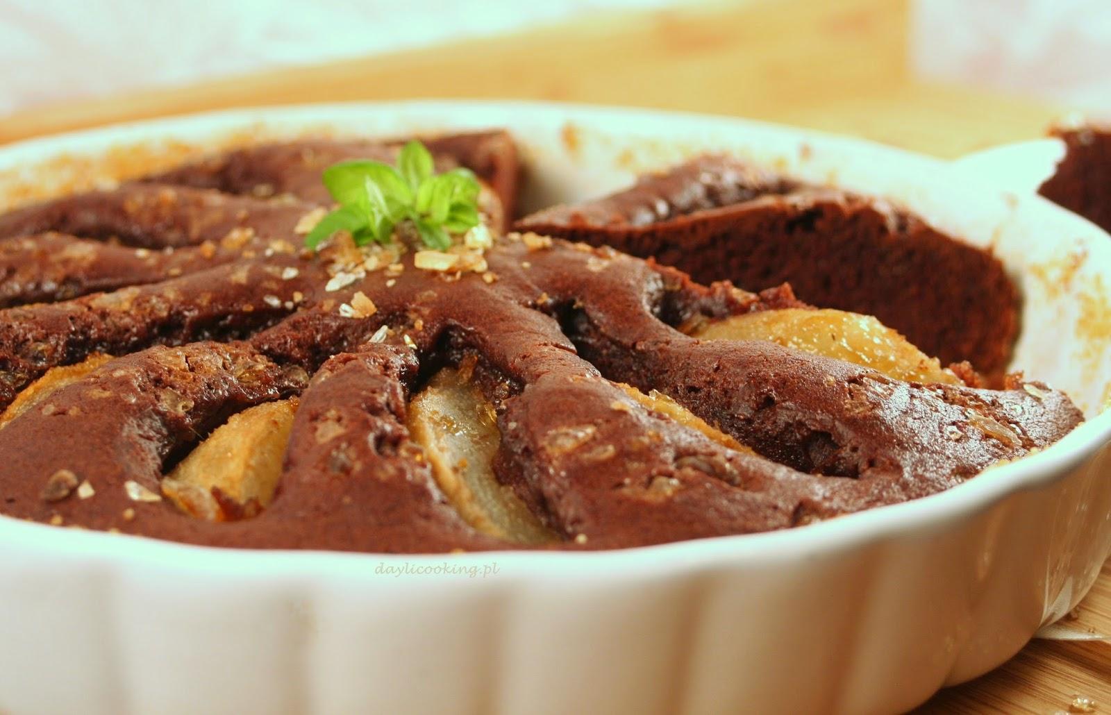 Szybkie czekoladowe ciasto z gruszkami