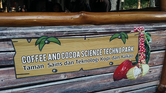 KEBUN RENTENG wisata kebun keluarga Jember Jawa Timur
