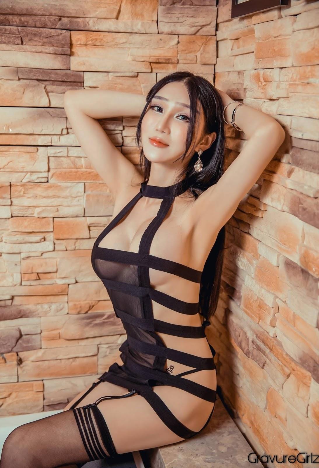 Tina Li Mier Xiuren Less Naked Babydoll Big Boobs