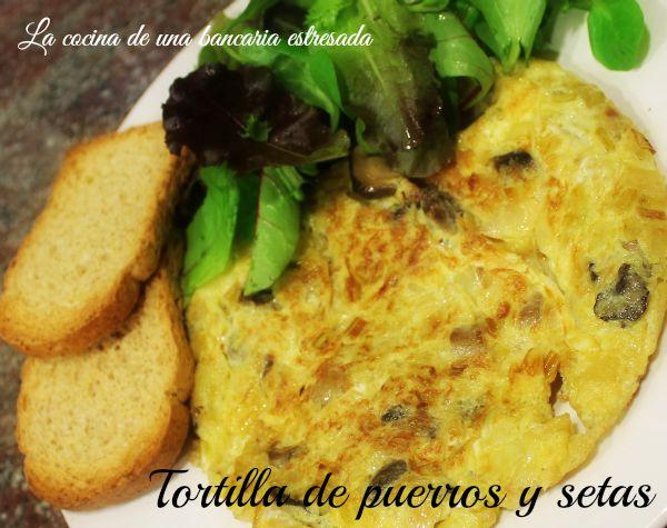 Receta de tortilla de puerro y setas paso a paso y con fotografías