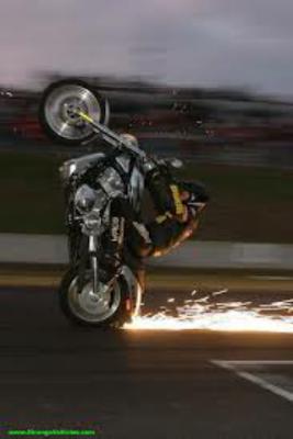 Gambar motor enjin berkuasa