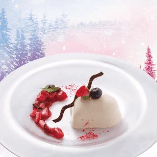 レアチーズケーキ~バラの香りと3種ベリーのソース~