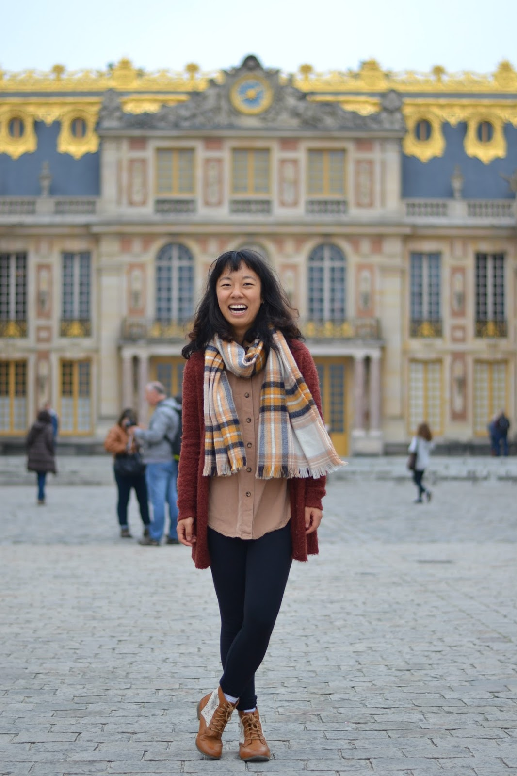 college fashion, study abroad outfit, versailles