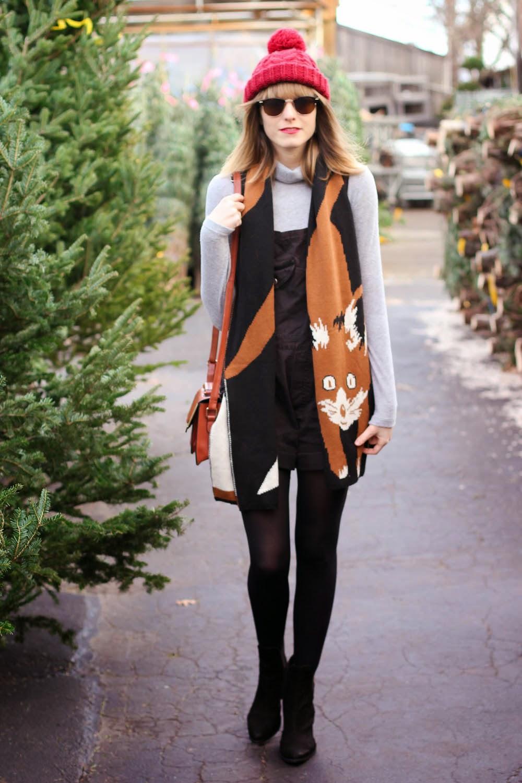 forever21 grey turtleneck, black vintage overalls, christmas tree shopping outfit, vintage fashion blog, nyc vintage blog
