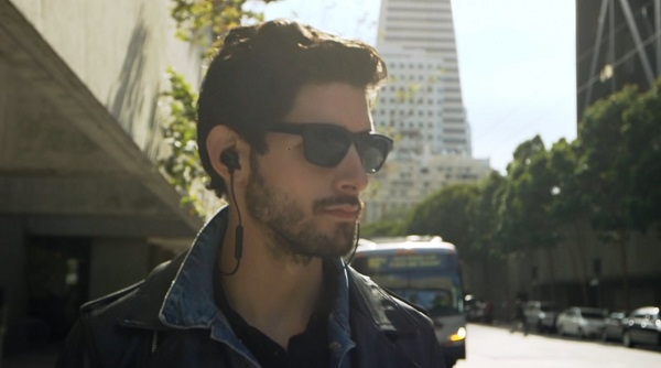 Mendengarkan musik lewat perangkat mobile menyerupai hp memang lebih asik dengan earphone Info Harga Earphone Bluetooth Terbaru Paling Bagus 2017