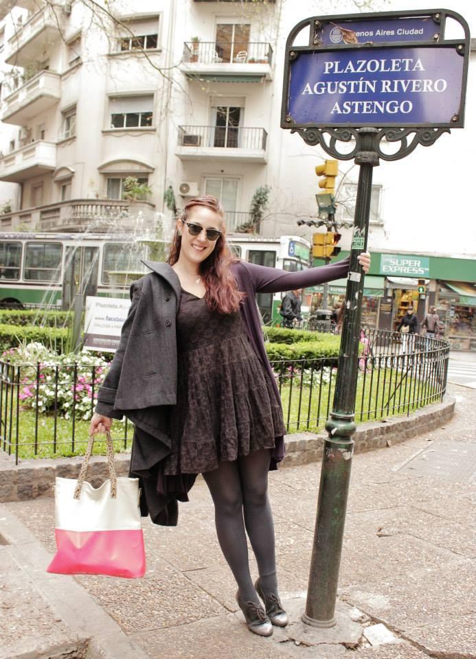 Como usar un vestido de encaje negro