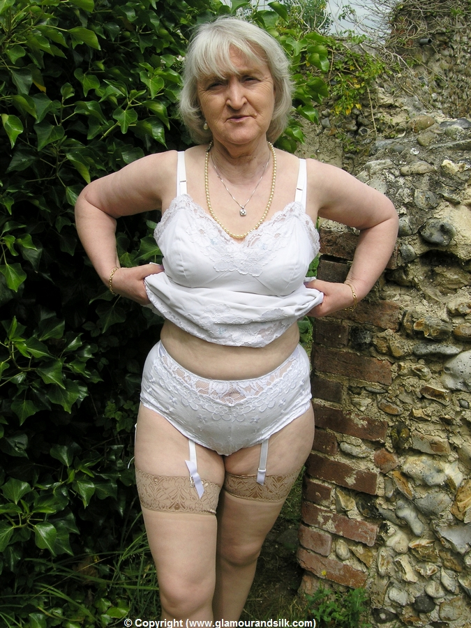Older Women Archive  Blogspot  Com Glamour And Life-4633