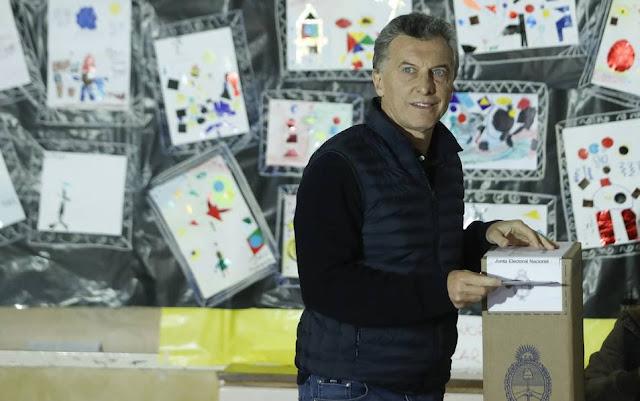 Clara victoria de Macri en unas legislativas argentinas que castigan a Cristina Kirchner