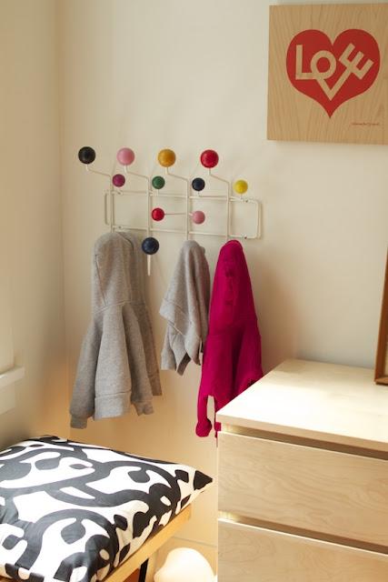 oficina de arquitetura cabideiro de parede hang it all. Black Bedroom Furniture Sets. Home Design Ideas