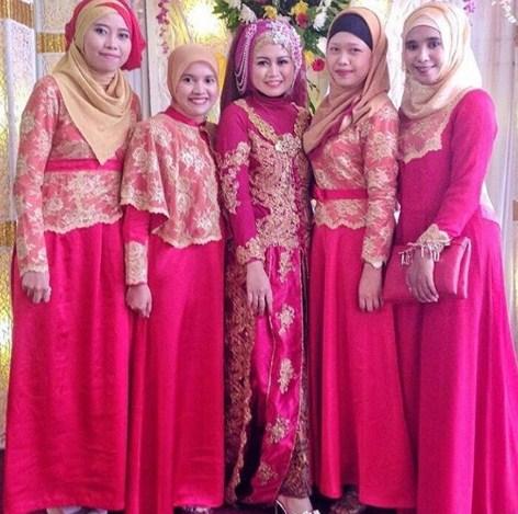 30+ Desain Model Baju Kebaya Muslim Brokat Modern Pesta ...
