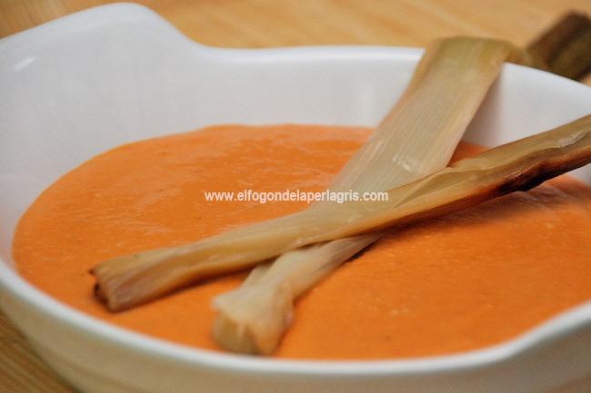 Calsots con salsa romesco