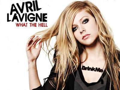"""Biografi Avril Lavigne  Biodata   Nama lahir : Avril Ramona Lavigne  Lahir : 27 September 1984 Belleville, Ontario, Kanada  Asal : Napanee, Ontario, Kanada  Pekerjaan : Penyanyi, penulis lagu, aktris, Model  Tahun aktif : 1999–sekarang  Biografi  Avril Lavigne dilahirkan disebuah kota kecil, Belleville, Ontario dalam lingkungan keluarga Kristen. Kemampuan Avril dalam bernyanyi telah diketahui sejak ia berumur 2 tahun, ketika ibunya mengatakan bahwa Avril telah mulai ikut menyanyi lagu-lagu rohani di gereja. Keluarga Avril pindah ke Napanee saat dia berumur 5 tahun. Pada tahun 1998, Avril memenangkan kompetisi bernyanyi dalam tour resmi penyanyi Kanada, Shania Twain. Avril menyanyikan lagu Shania yang berjudul What Made You Say That.  Saat usia Avril menjelang 16 tahun, dia didaftarkan oleh Ken Krongard, seorang artis dan jurnalis, wakil dari perusahaan rekaman Arista. Ken mengundang Antonio """"L.A."""" Reid untuk mendengarkan nyanyian Avril di sebuah studio rekaman milik Peter Zizzo di New York. Selanjutnya Avril melengkapi kontrak album perdananya, Let Go.      biodata avril lavigne lengkap biodata avril lavigne lengkap bahasa indonesia biodata avril lavigne lengkap terbaru biodata avril lavigne lengkap bahasa inggris biodata avril lavigne lengkap dalam bahasa indonesia biodata avril lavigne yang lengkap biografi lengkap tentang avril"""
