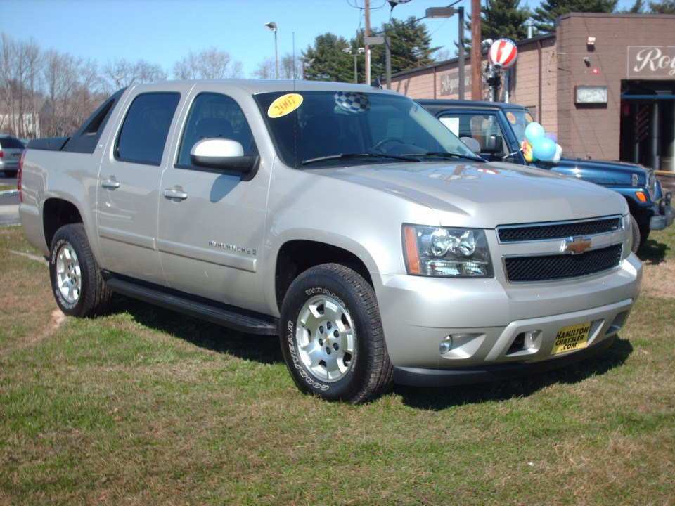 new chevrolet avalanche autos weblog. Black Bedroom Furniture Sets. Home Design Ideas