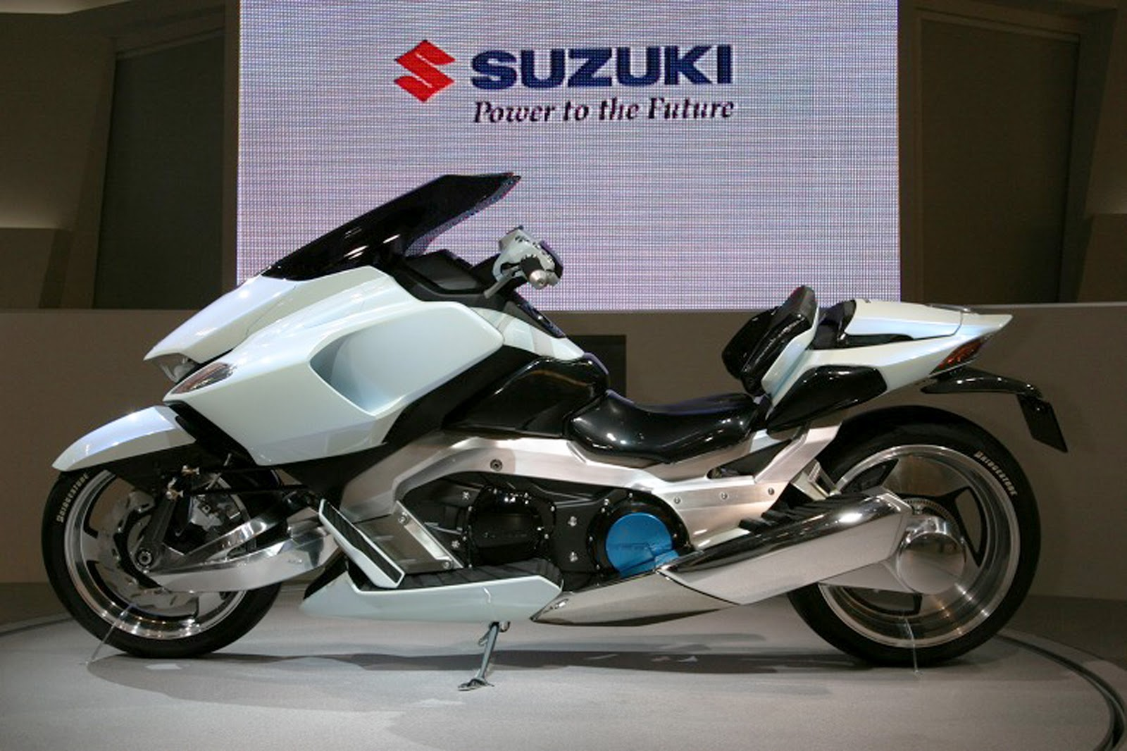 suzuki motorcycle strider concept futuristic motorbike motorcycles electric bike bikes latest hoverbike future motorbikes moto 2003 sci fi redbook riding