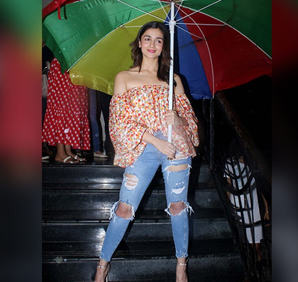 Monsoon outfit with accessories