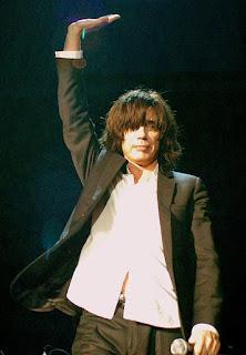 Fotografía de Jarre en 2008 (concierto en Milán)