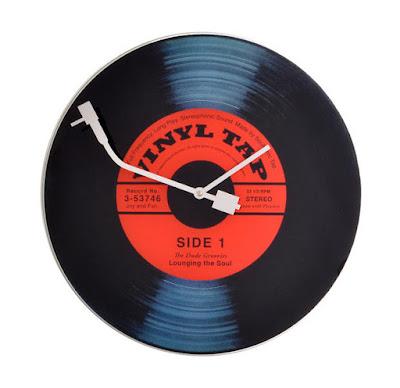 Foto van Eyoba.nl: Nextime-vinyl tap wandklok-zwart-rood.