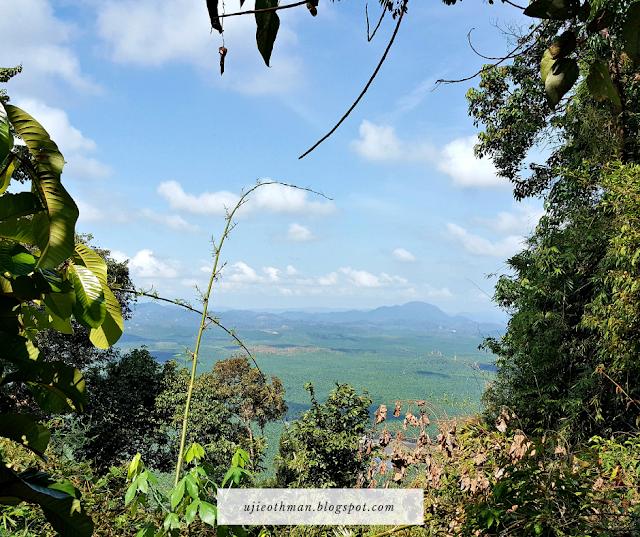 pemandangan pendakian di bukit buluh