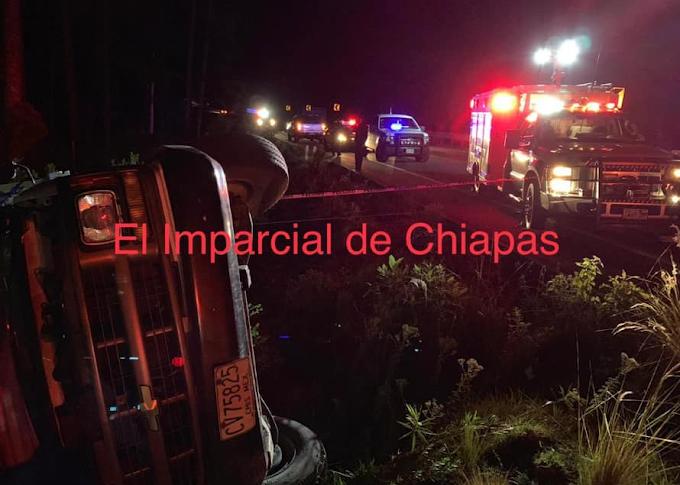 Identifican cadaveres de migrantes accidentados en Chiapas.
