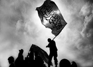 Hizbut Tahrir (4): Halal Mencium Wanita Bukan Muhrim