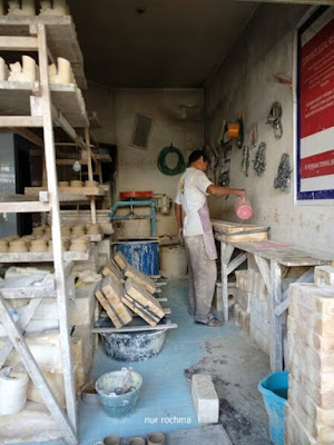 home industri keramik dinoyo