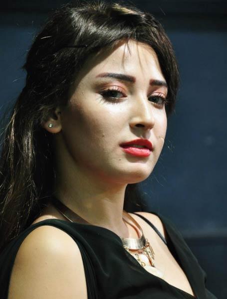 ترحيل الممثلة شروق عبد العزيز إلى منطقة السجون تنفيذا لحكم حبسها