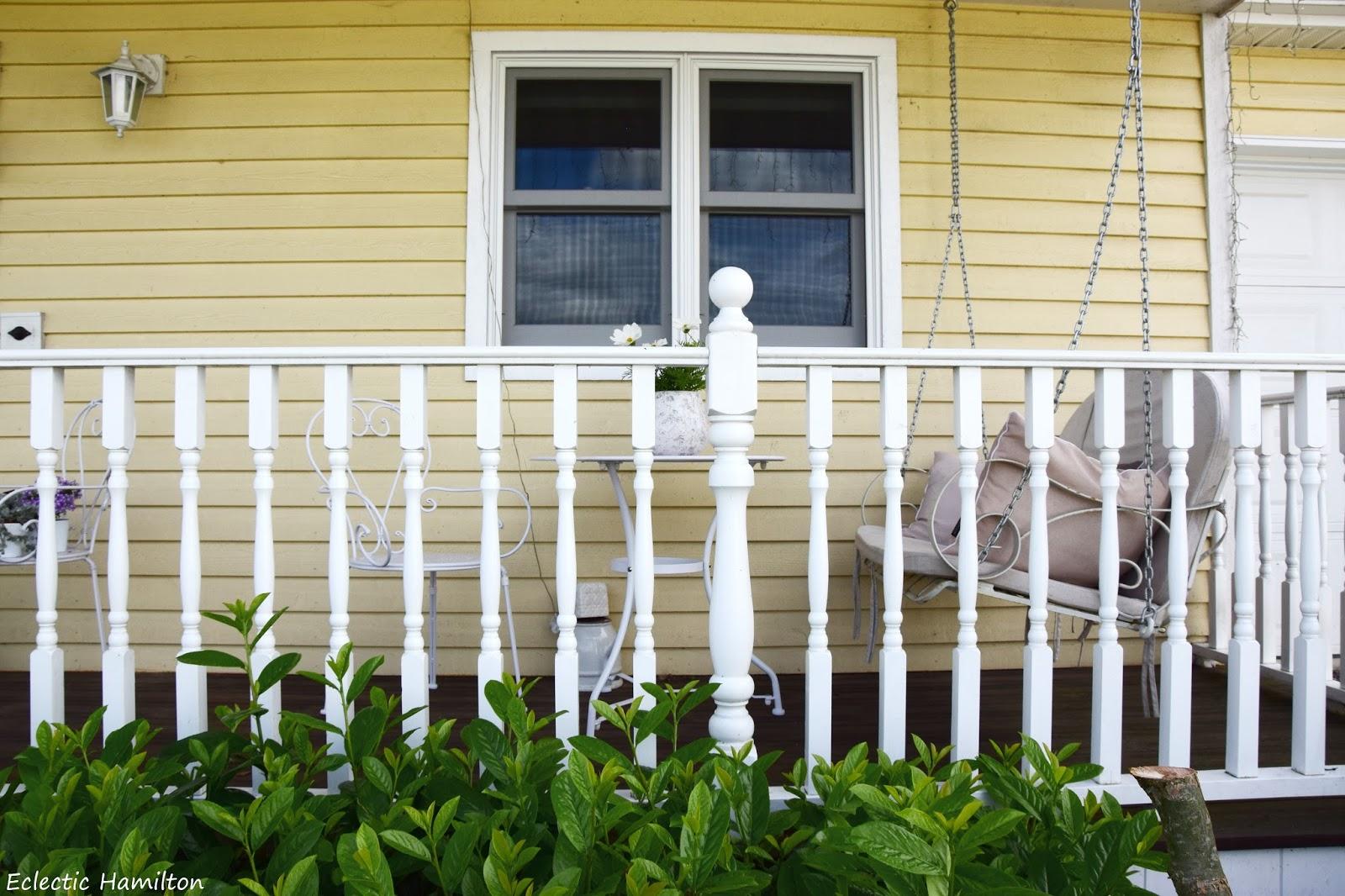 Veranda amerikanisch  Neue Möbel für meine Veranda | ECLECTIC HAMILTON