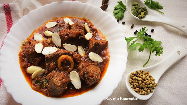 kashmiri-mutton-korma-meat-main-dish-Pakistani-Indian-food-lunch-dinner-potluck-