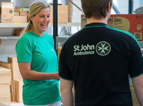 Before St Johns Day, Countess of Wessex visited the St John Ambulance Operational Support Hub. white denim trousers