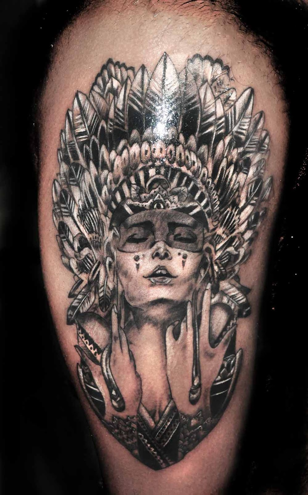 Lizards Skin Tattoos Modern Girl With Red Indian Head Gear