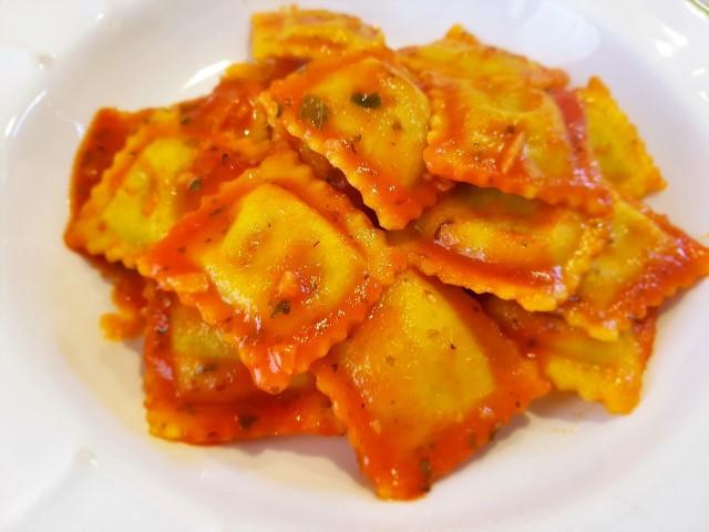 Ravioli al pomodoro Petti e basilico