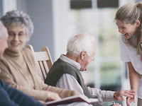 9 Tips to care for the elderly without affecting your health