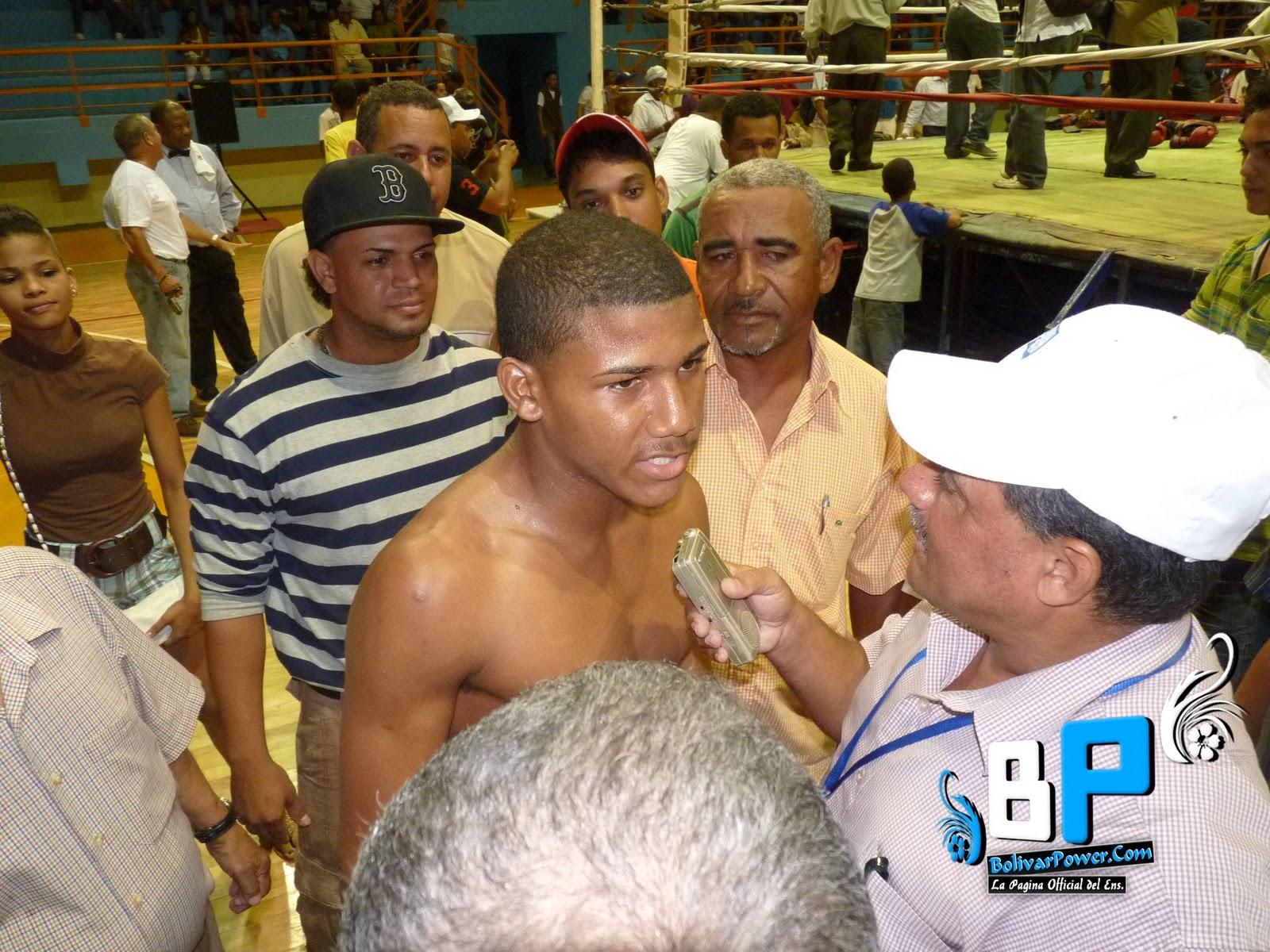 ver fotos pelea de yohan vasquez boxeador de bolivarpower y representante del ensanche bolivar bolivarpower bolivarpower
