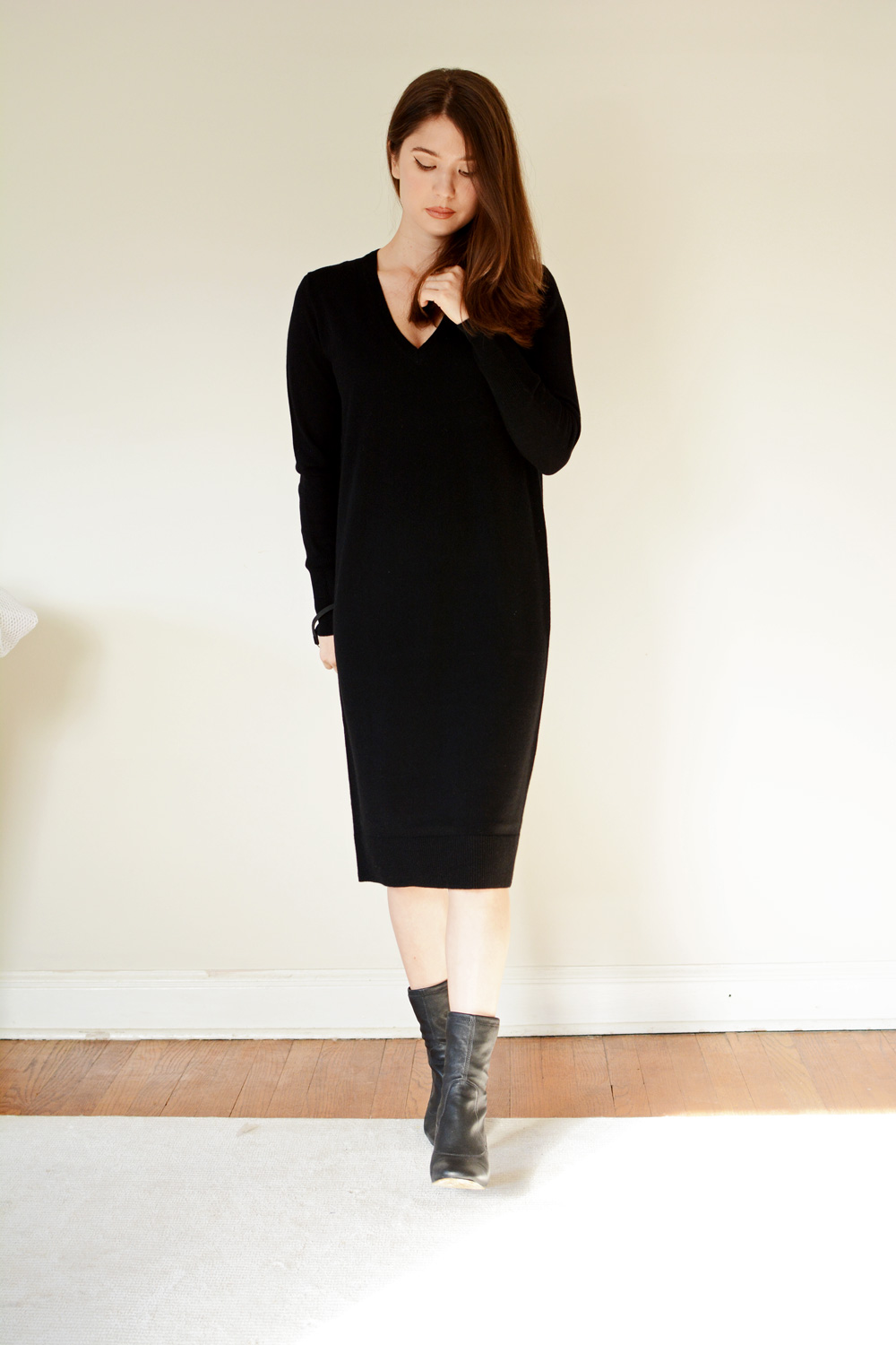 Everlane Cashmere V-Neck Midi Dress review sizing photos
