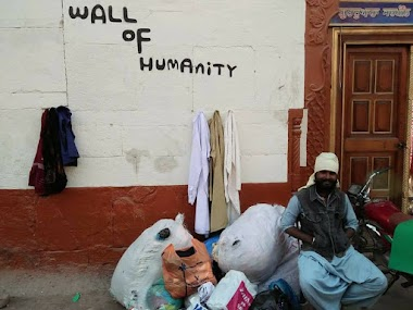 Wall of Humanity in Shikarpur