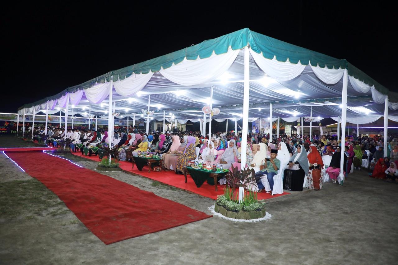 Para undangan dan warga antusias menyaksikan pembukaan MTQ ke49 Kabupaten Asahan.