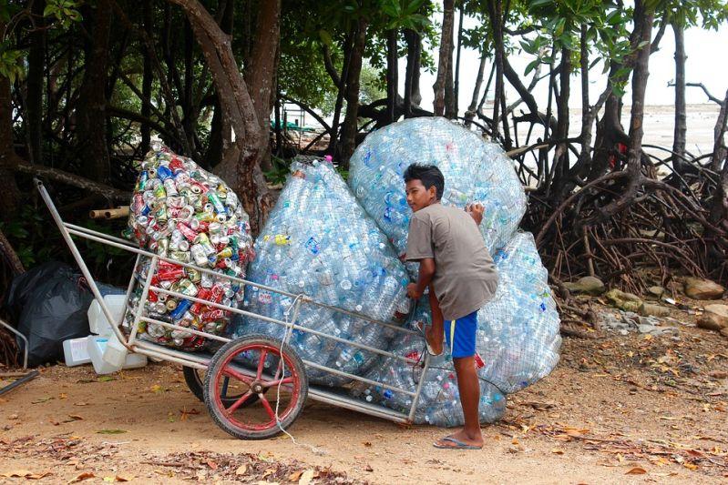 Angespülter Plastikmüll zerstört unsere Lebensgrundlage