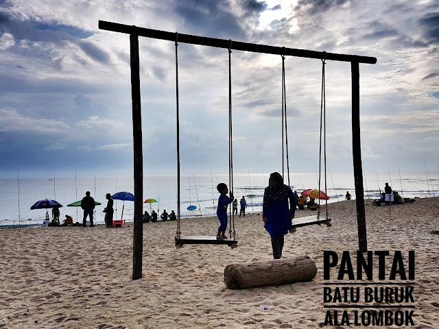 Jalan-jalan di Terengganu : Buaian ala Lombok di Pantai Batu Buruk, Kuala Terengganu