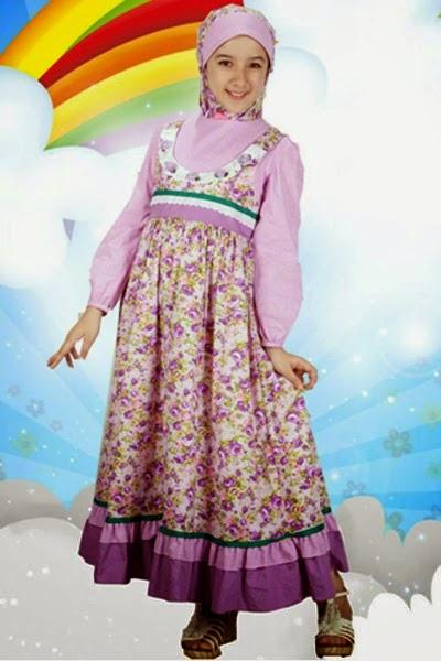 anak kecil cantik memakai busana muslim modis