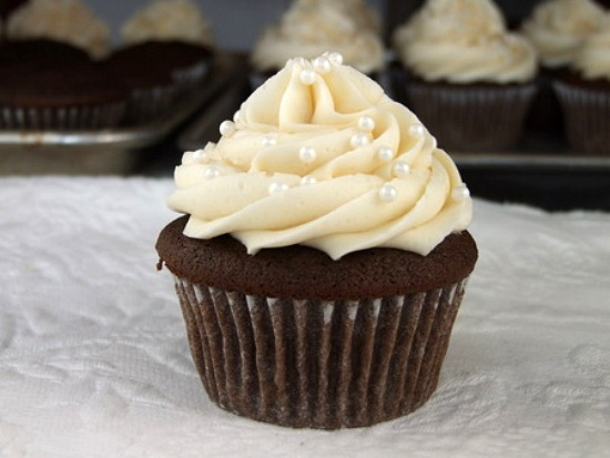 Make Cupcake Wedding Cakes: Cupcake Wedding Cakes