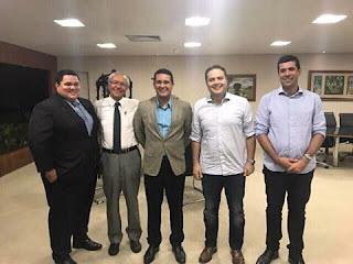 Presidente da AMA o prefeito Hugo Wanderley esteve com o governador Renan filho e com o dr José neto Wanderley,e o secretário de saúde  do estado Cristiano e o gerente da casa cordial Otoni.