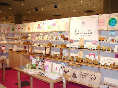 Jewelry Displays for Small Booths and Starters