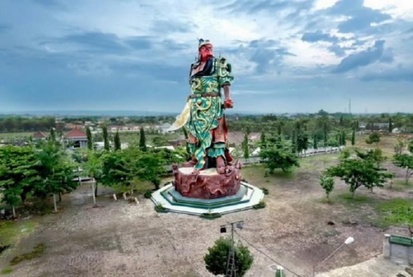 patung jenderal tiongkok